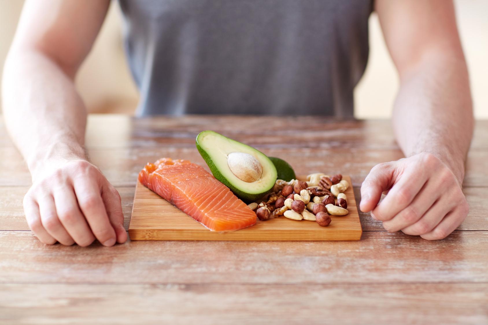 Proteine aus Fisch und Nüssen