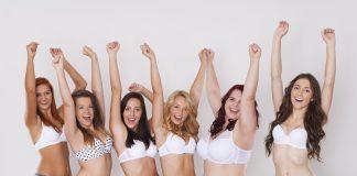 Sechs Mädels im weißen BH zeigen ihr Wunschgewicht